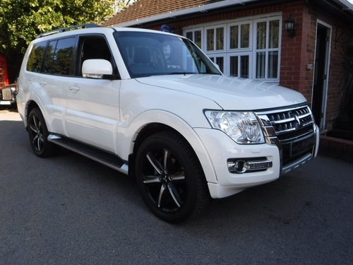 used mitsubishi shogun on finance from 50 per month no. Black Bedroom Furniture Sets. Home Design Ideas