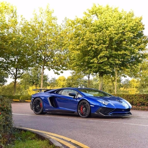 Lamborghini Financing: Used Lamborghini AVENTADOR 6.5 V12 LP 700-4 On Finance In