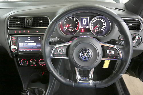 Volkswagen Polo windows