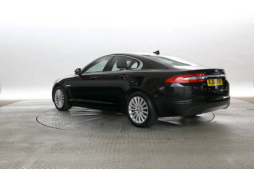 Jaguar XF Gps Design Inspirations