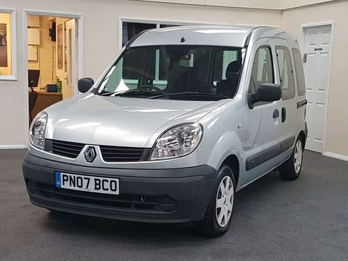 Used Renault KANGOO AUTHENTIQUE 16V E4 on Finance in Luton £55.25 ...