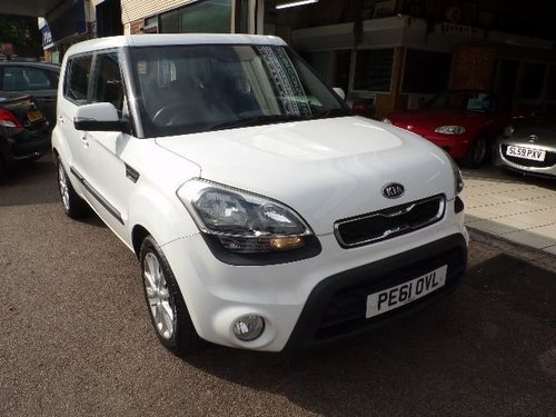 Kia Soul windows