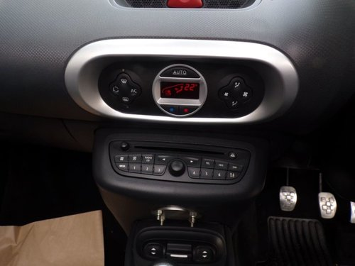 Renault Wind dashboard