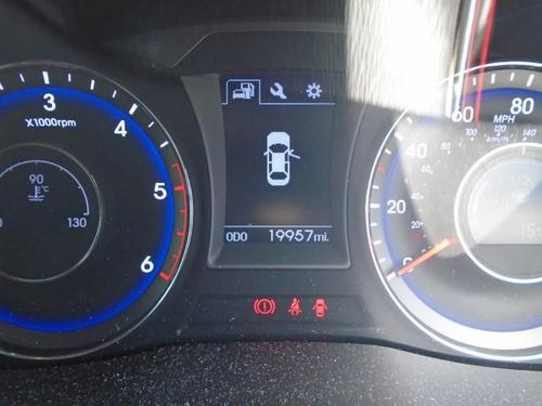 Hyundai i40 back