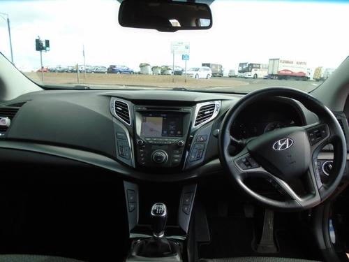Hyundai i40 windscreen