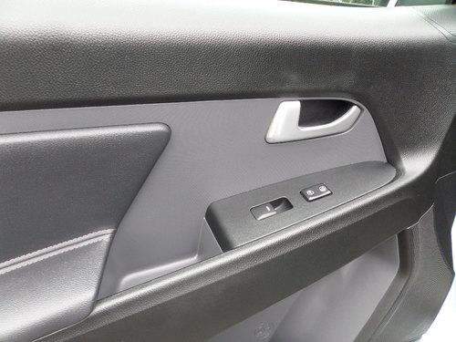 Kia Sportage windows