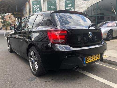 BMW M1 dashboard