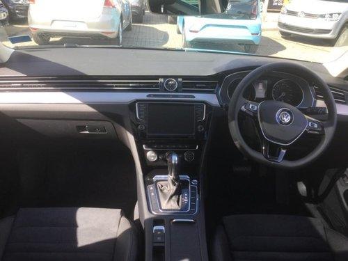 Volkswagen Passat doors