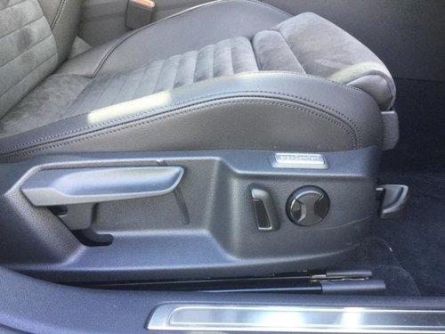 Volkswagen Passat speakers
