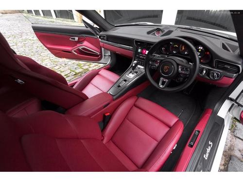 used porsche 911 991 turbo s pdk awd on finance in london per month no deposit. Black Bedroom Furniture Sets. Home Design Ideas