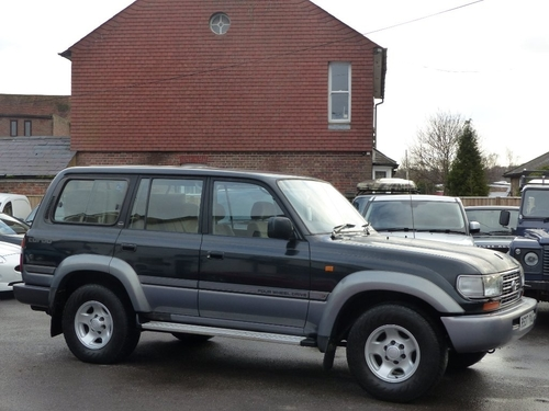 Used Toyota LAND CRUISER AMAZON on Finance from £50 per