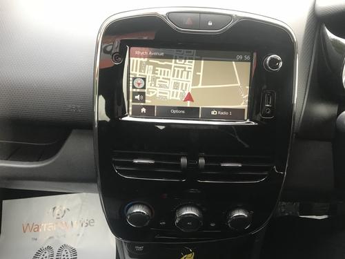 Renault Clio speakers