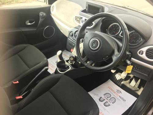 Renault Clio windscreen