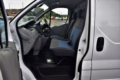 Used Renault Trafic 2 0 Sl27 Sport Dci On Finance In Barnsley 163 161 38 Per Month No Deposit