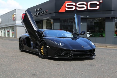 Lamborghini Aventador Finished In Black