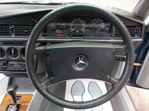 Mercedes-Benz 190 alloy