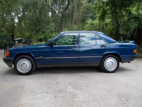 Mercedes-Benz 190 doors