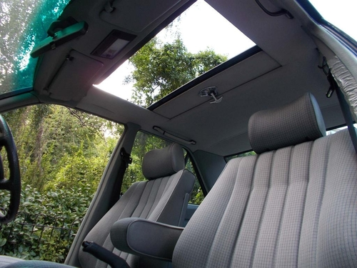 Mercedes-Benz 190 windows