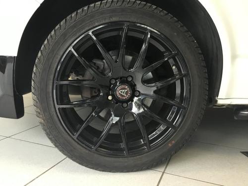 Volkswagen Transporter front
