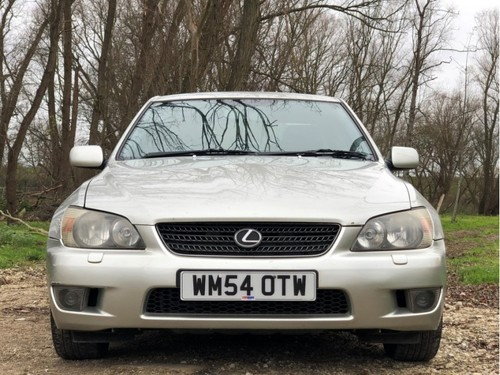 Lexus Is 200 >> Used Lexus Is 200 2 0 Se On Finance In Rainham 50 Per Month No Deposit
