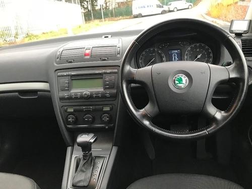 Skoda Octavia windscreen