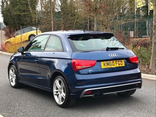Audi A1 back