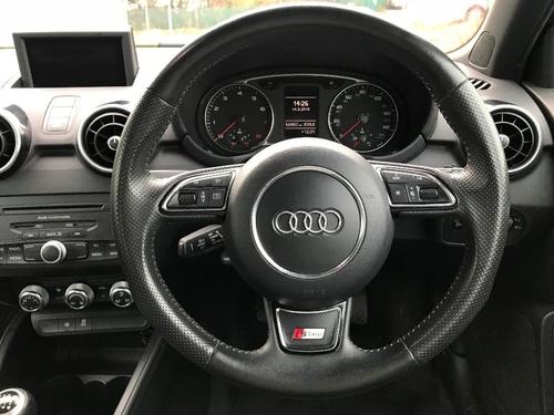 Audi A1 doors