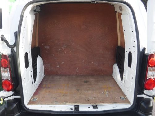 a3838b4d02 Used Peugeot PARTNER TEPEE 1.6 HDi S L2 Crew Van 4dr on Finance in ...
